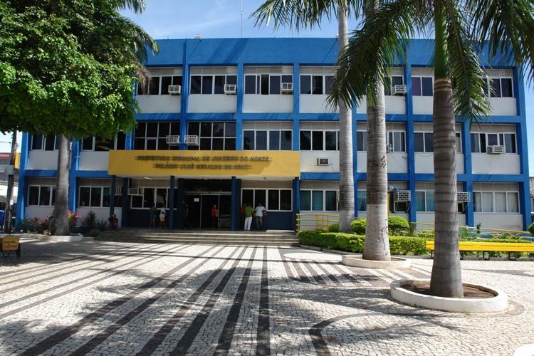JUAZEIRO Administração solicita que proprietários de lotes não edificados murem ou cerquem suas propriedades