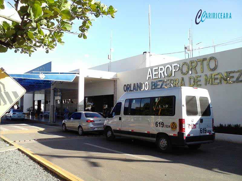 Ministro assina ordem de serviço no aeroporto de Juazeiro
