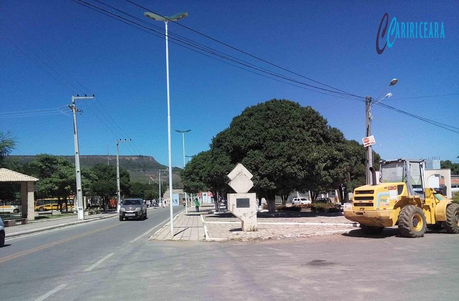 Iniciado processos licitatórios em Santana do Cariri para construção de obras estruturantes. Foto: Jota Lopes