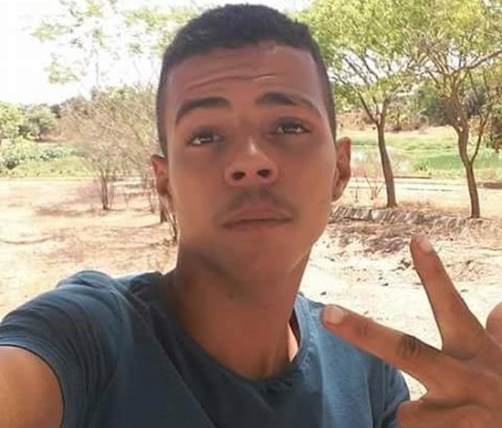 Adolescente conhecido Bileu foi executado a tiros em Juazeiro do Norte.