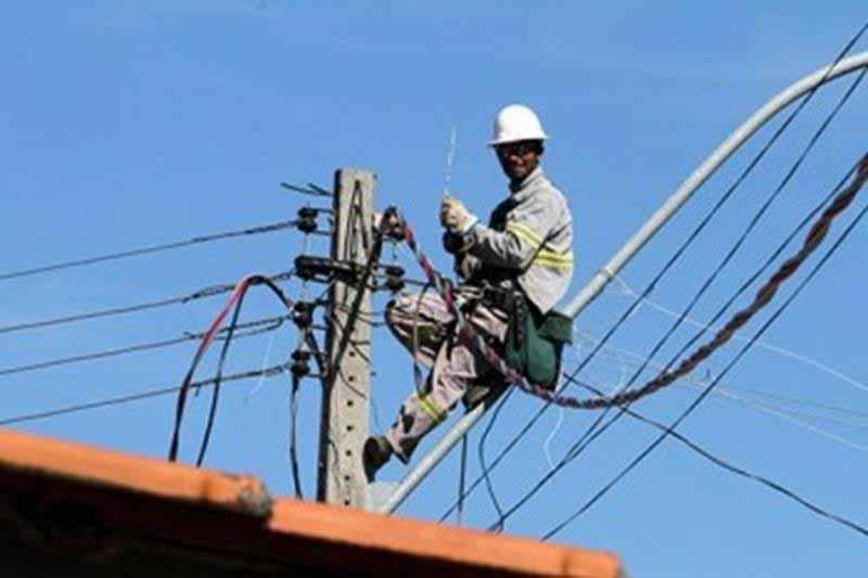Frequentes quedas de energia causam prejuízos a estabelecimentos comerciais em Crato