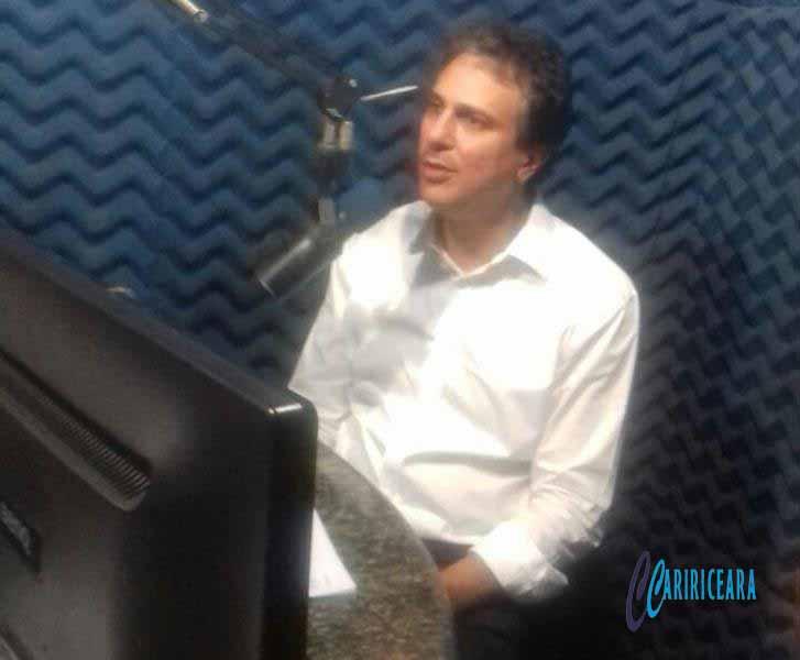 Confira trechos da entrevista exclusiva com o governador Camilo Santana concedida nesta sexta-feira a Rádio Princesa FM do Crato