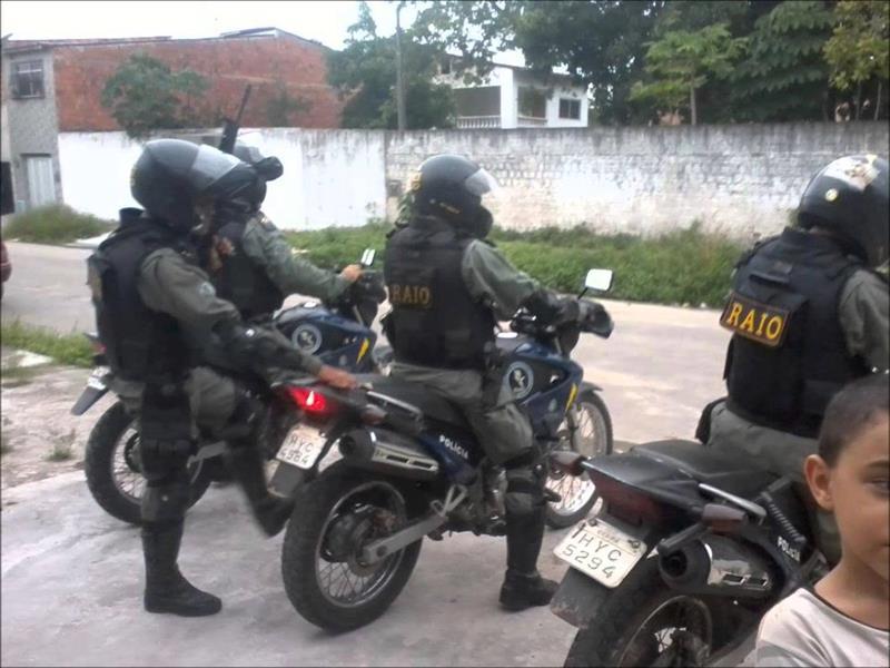 Raio efetua apreensão por assalto  a estabelecimento comercial e recupera veículo com queixa de roubo em Crato