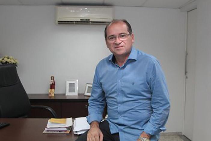 Prefeito José Aílton Brasil.