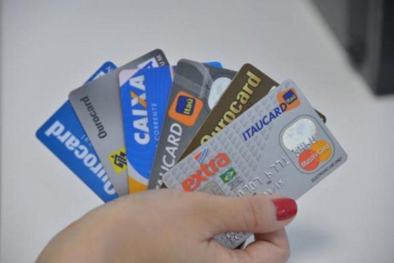 Rotativo do cartão é mais usado por consumidores com menor renda