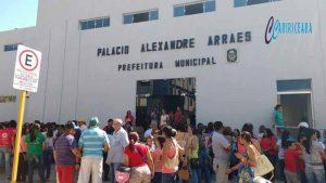 Manifesto em frente a Prefeitura Municipal  do Crato FOTO Jota Lopes_Agência Caririceara.com (Arquivo)