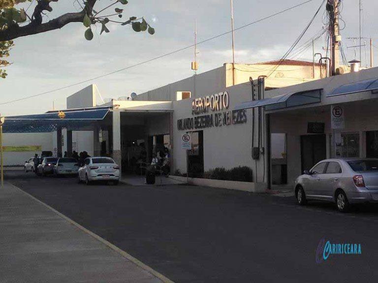 Ministro dos Transportes assina ordem de serviço para obras no aeroporto Orlando Bezerra de Menezes, em Juazeiro do Norte (CE)