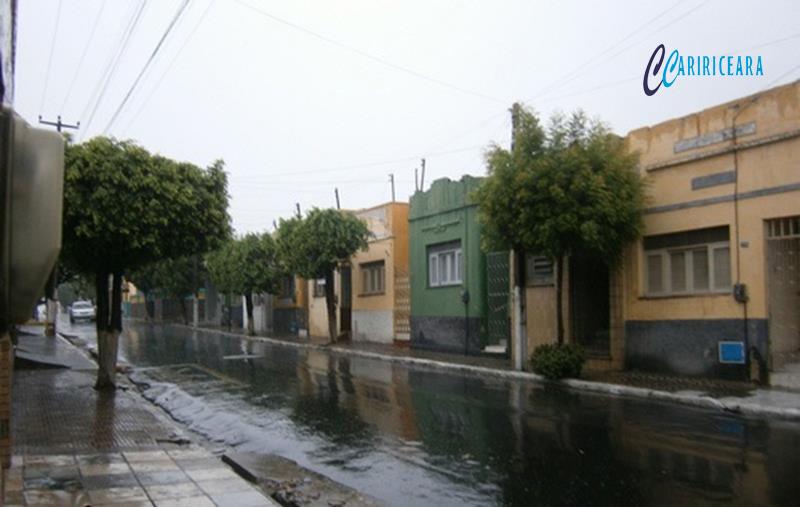 Cariri, Ibiapaba e Sertão Central registram grande volume de chuva de sábado para domingo