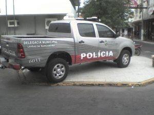 VIATURA DA DELEGACIA DE POLÍCIA CIVIL DE LAVRAS DA MANGABEIRA