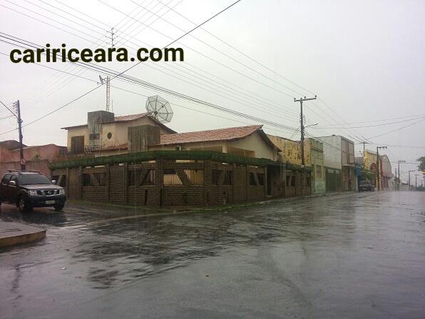 Ceará tem chuvas de até 81 milímetros; chove em mais de 90 município