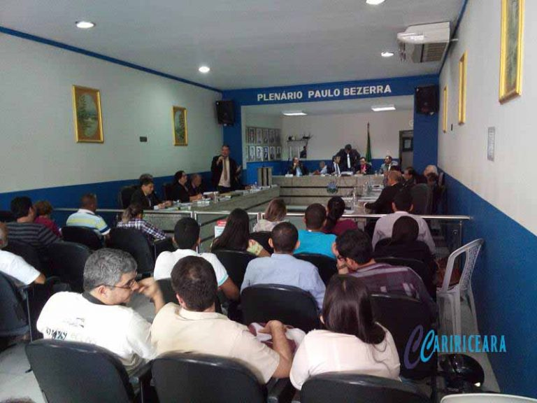 Lei que regulamenta o pagamento do décimo quarto salário aos agentes de saúde e endemias é aprovada em Crato