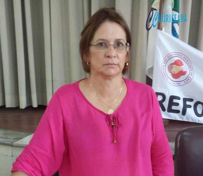 Servidores discutem contraproposta de reajuste salarial apresentada pela gestão municipal em Crato