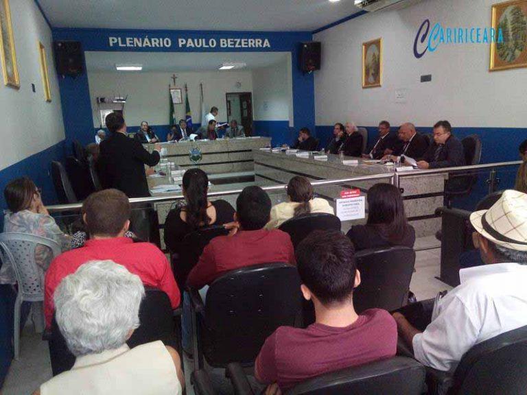 Vereadores do Crato denunciam falta de transporte escolar em comunidades e precarização do serviço de saúde mental no município
