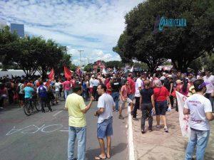 Caririenses aderem à greve geral e fazem protestos em Juazeiro do Norte