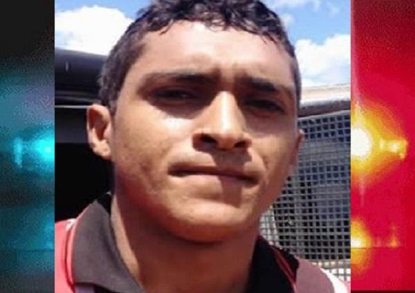 Homem possuidor de longa ficha criminal é preso pela PM de posse de submetralhadora, em Mauriti (1)