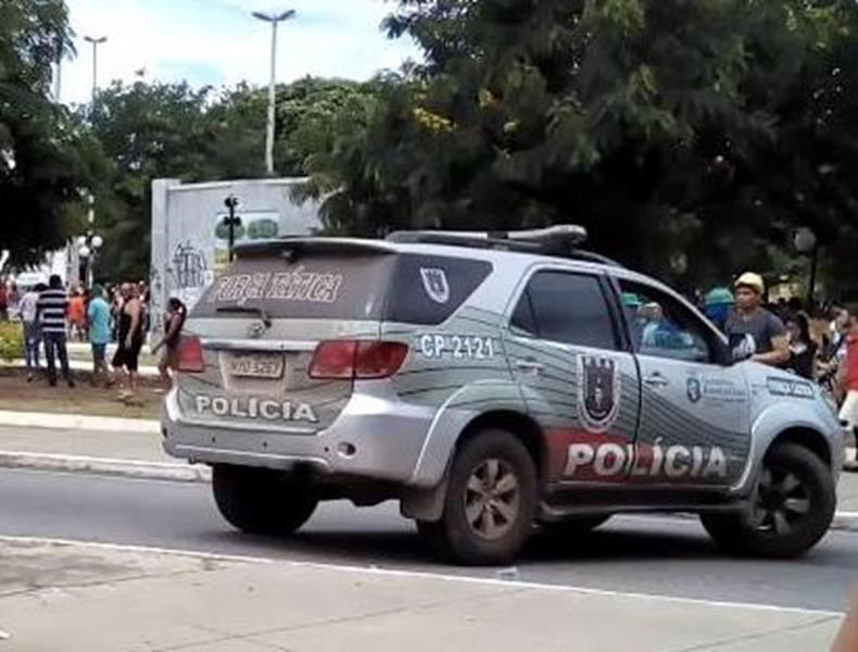 Polícia Militar prende trio envolvido com o tráfico de drogas em Juazeiro do Norte