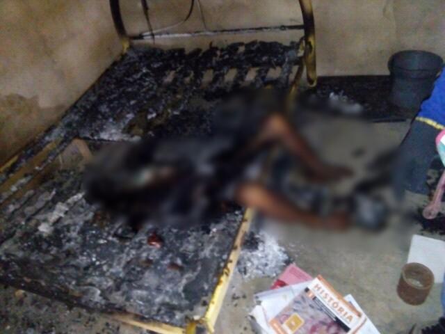 Em Várzea Alegre, homem de 55 anos é morto à faca e tem o corpo parcialmente carbonizado.