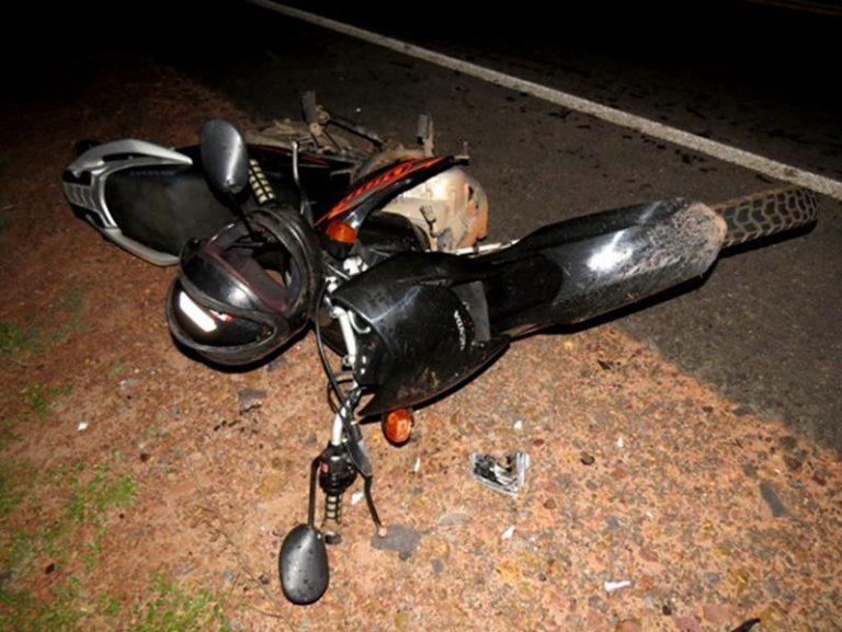 Motoqueiro morre após veículo que dirigia colidir com carro na BR-116, Jati/CE.