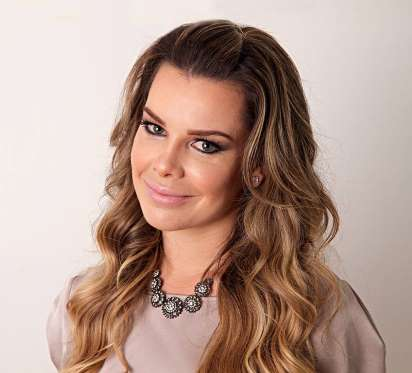 Fernanda Souza se emociona ao falar do pai em entrevista
