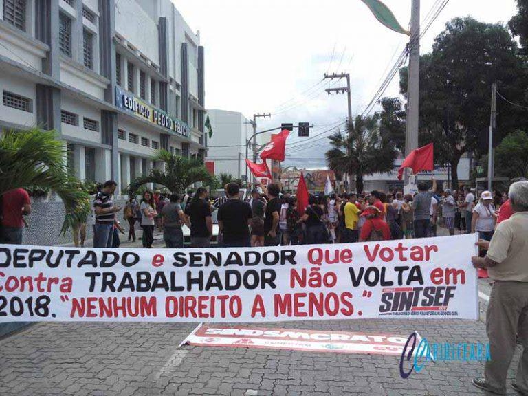 Caririenses vão as ruas contra reformas do governo Temer