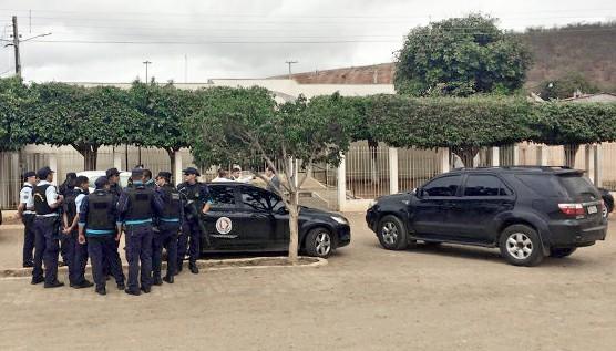 Marido da prefeita de Jati é preso em operação de busca e apreensão no município