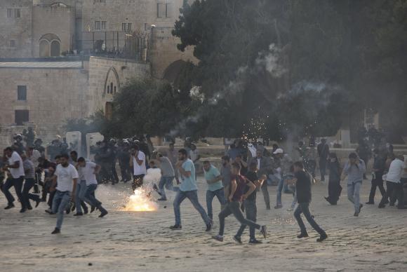 Confrontos na Esplanada das Mesquitas deixam 96 feridos em Jerusalém Otriental