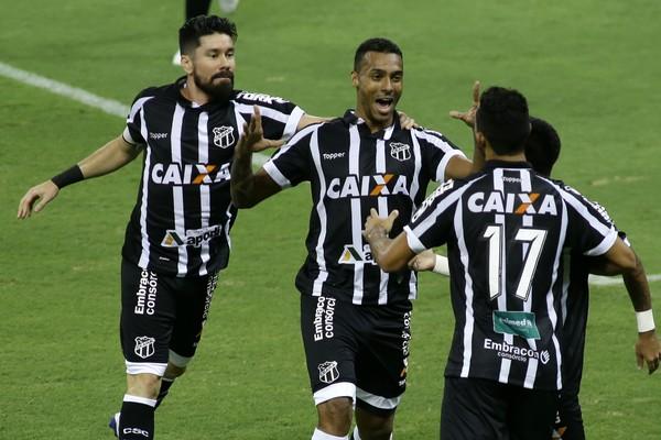 Com dois gols relâmpago, Ceará vence o Juventude no Castelão pela Série B