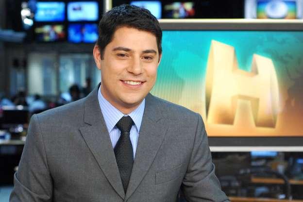 Evaristo Costa brinca com o desemprego: 'Vou vender miçanga'