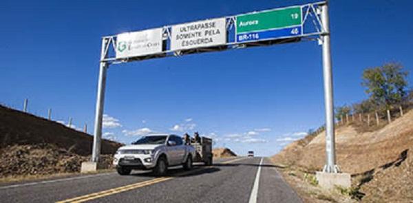 Aurora e Caririaçu são beneficiados com estradas e adutora
