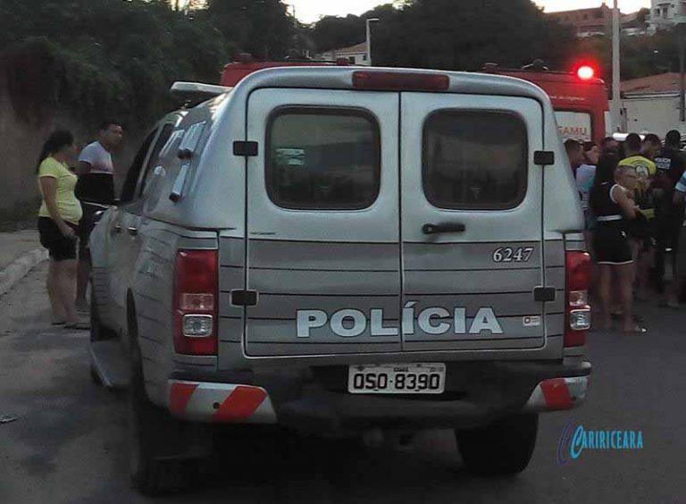 Polícia do Crato recupera de veículo roubado, e em Várzea Alegre dupla toma de assalto automóvel de agricultor