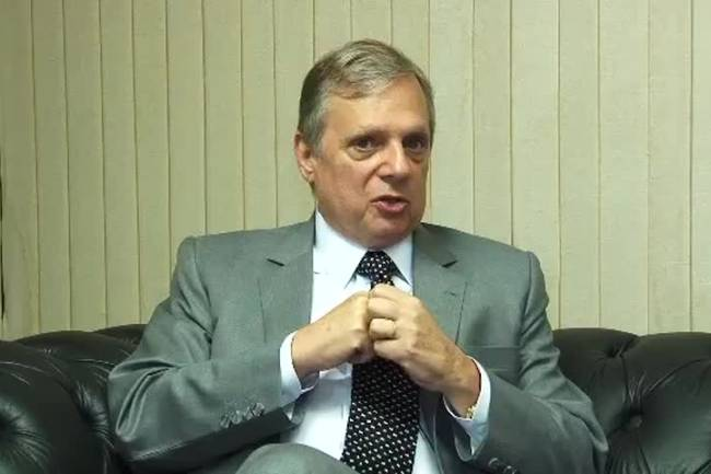Senador Tasso Jereissati fala sobre cenário político durante visita a Expocrato