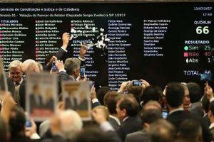 Votos a favor de Michel Temer somam R$ 134 milhões em emendas