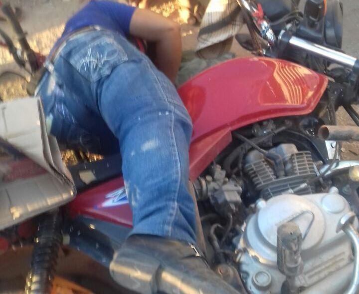 Colisão entre ônibus e moto deixa agricultor morto na zona rural do Crato