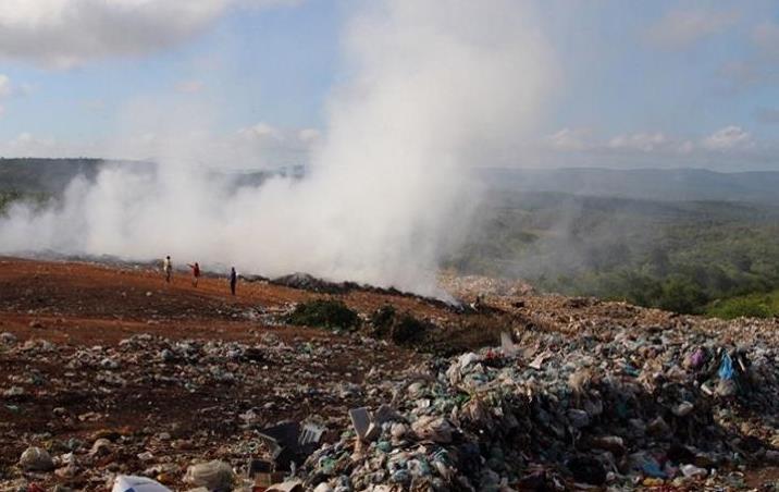 Queimadas no lixão do Crato causam transtornos aos moradores de comunidades próximas