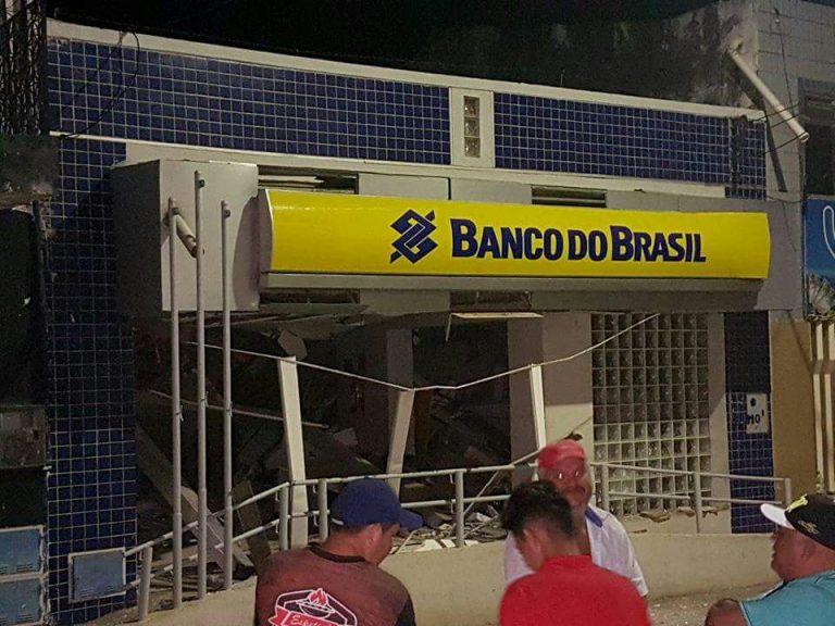 Hidrolândia e Pereiro. Criminosos atiram contra polícia e explodem duas agências bancárias no Ceará