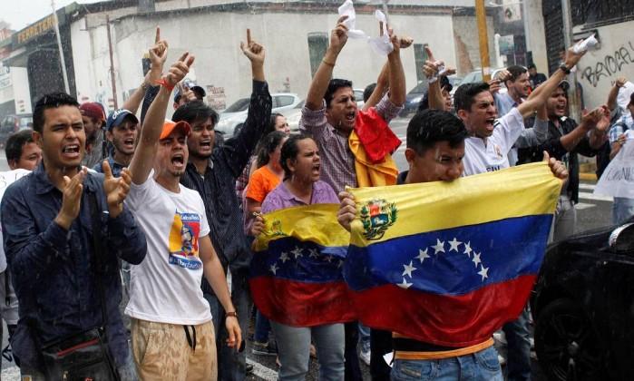 Magistrados venezuelanos vão para embaixada chilena em busca de proteção