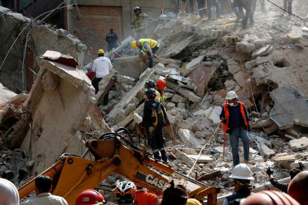 Forte terremoto próximo à Cidade do México deixa mais de 100 mortos