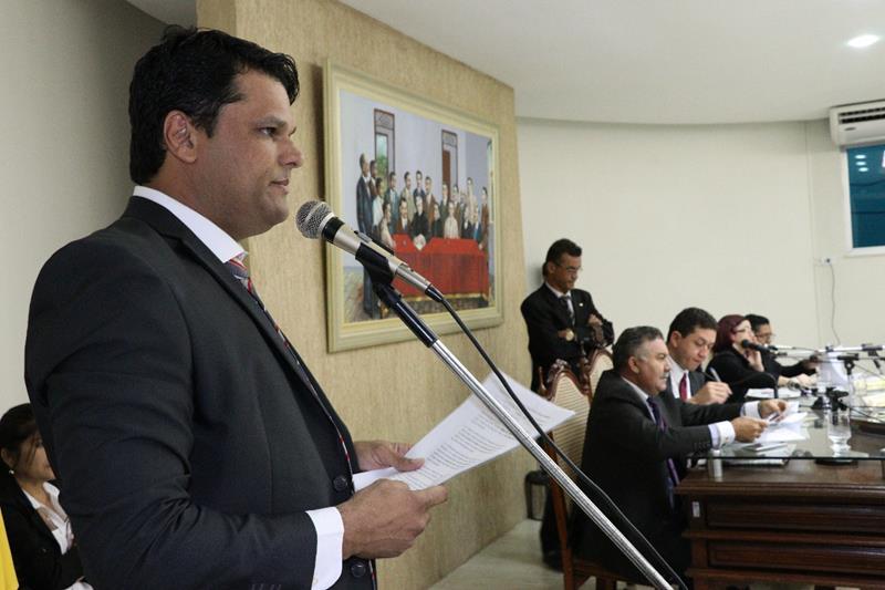 Surpresa na Câmara de Juazeiro do Norte; vereador da Base pede CPI dos transportes