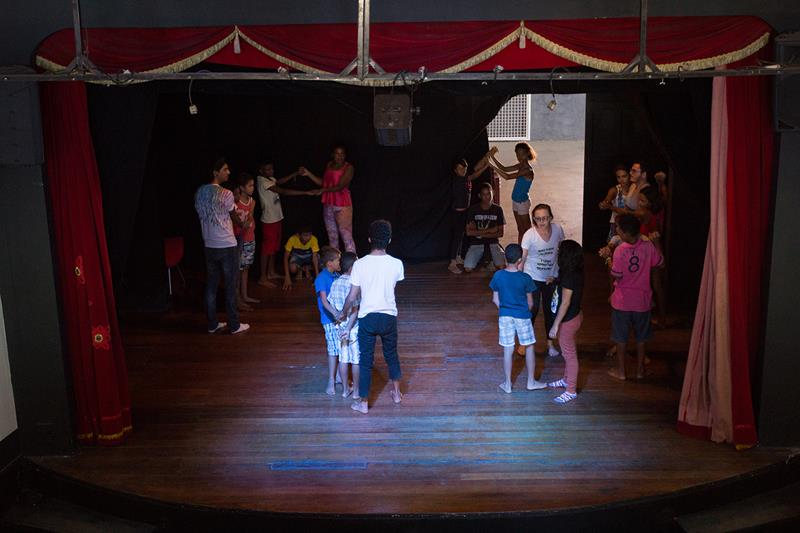 Teatro Marquise Branca e URCA iniciam aulas de teatro gratuitas para crianças e jovens
