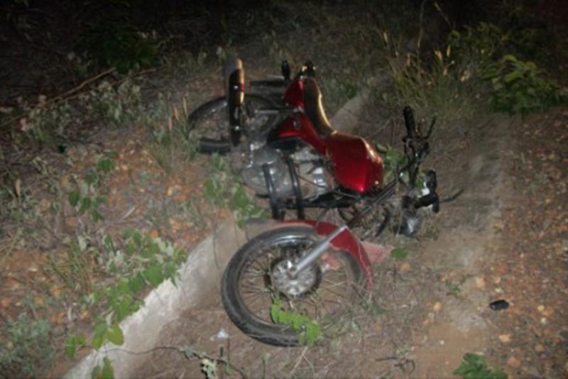 Queda de moto mata jovem de 20 anos e deixa outro em estado grave em Salitre; e agricultor morre afogado em Lavras