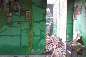 Incêndio destrói cômodo de residência em Juazeiro do Norte