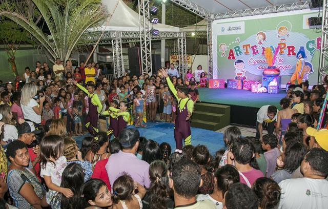 Barro no cariri e outros quatro municípios cearenses recebem o 'Arte na Praça' no mês de dezembro