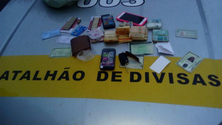PM apreende em Juazeiro carro clonado, munições e cause 10 mil reais em dinheiro na casa de acusado de assaltos a bancos (2)
