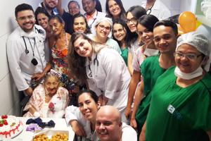 Paciente comemora aniversário no Hospital Regional do Cariri