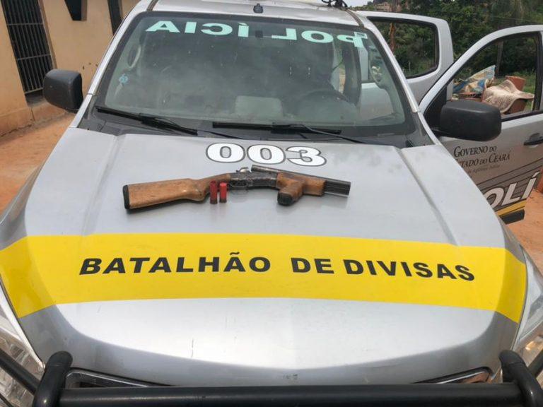 Militares do Batalhão de Divisas prendem em Crato homem de posse de escopeta calibre 12.