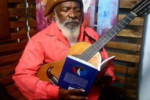 Mestre Bule-Bule lança livro de poesias na próxima segunda-feira(8) em Crato