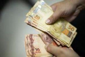Salário mínimo de 2019 pode ficar abaixo de R$ 1 mil com estimativa menor de inflação