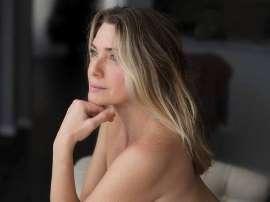 Aos 44 anos, Letícia Spiller posa nua e leva fãs à loucura