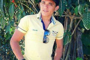 Jovem que hoje estaria completando 26 anos de idade foi assassinado na noite de ontem na porta de casa em Barbalha