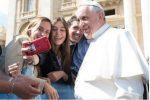 Papa se reunirá com jovens às vésperas da Páscoa
